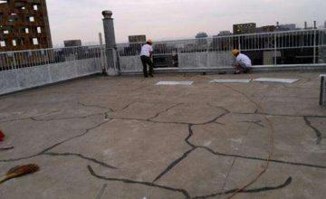 屋顶漏水维修